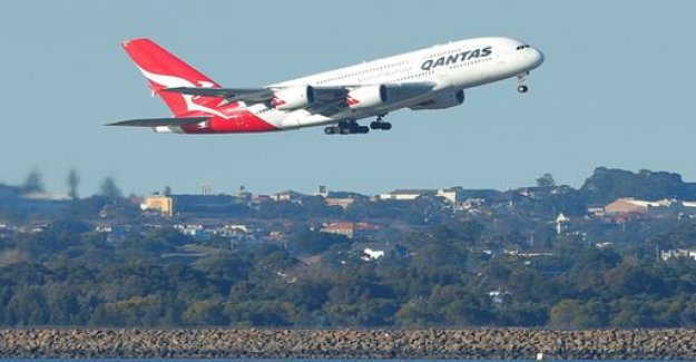 Qantas cancelled the purchase of eight Airbus A380