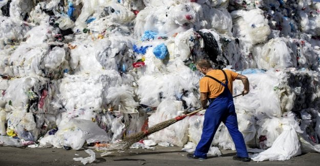 Rage on plastic garbage brings retailers and manufacturers in a tight spot