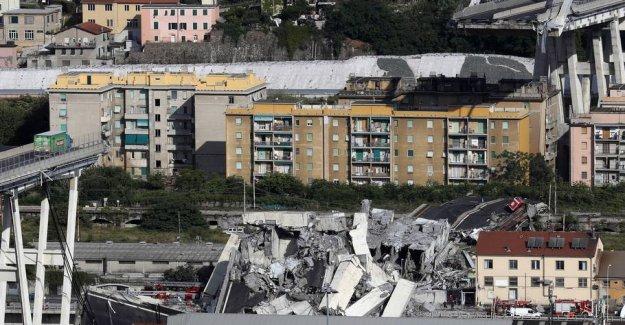 River dangerous road bridge down: Cost 43 lives