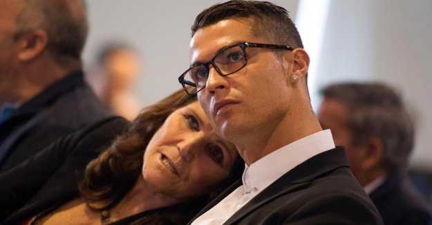 She was not going to his room to play cards: mother of Cristiano Ronaldo move to attack the woman who has him accused of rape