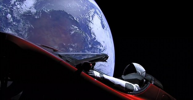 'Starman' travels already 1 year with his Tesla through the space: how is the situation with the legendary duo?