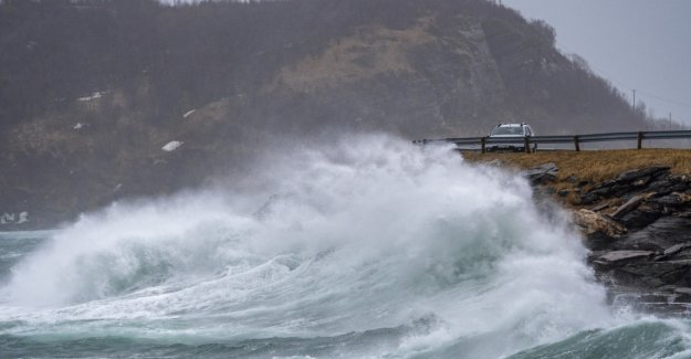 Stormkaos in Nordland: the River of the roof and stop the traffic