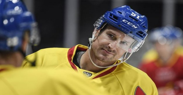 Teemu selanne of the teammates with two goals on two shots in two games, still in command of the farm - Sidney Crosby workout buddy ended up in Finland