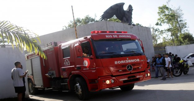 Ten dead in fire on the Flamengo facility
