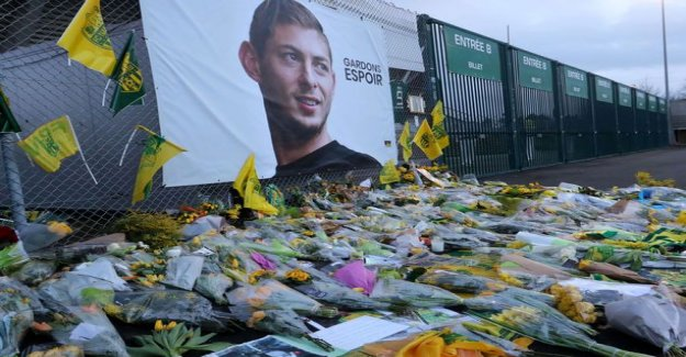 The body was successfully out of the football player Emiliano Secretly been transporting the plane wreckage: the Operation was carried out with the greatest possible dignity