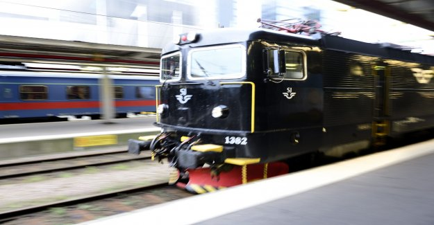The locomotives leaked hundreds of litres of diesel