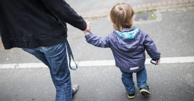 The lower the proportion of parents pay advance