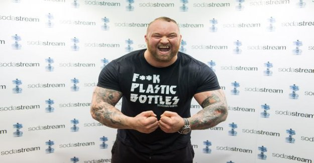 The world's strongest man released a thrilling video from the gym: the deadlift 473 pound up - having also arm wrestling contest