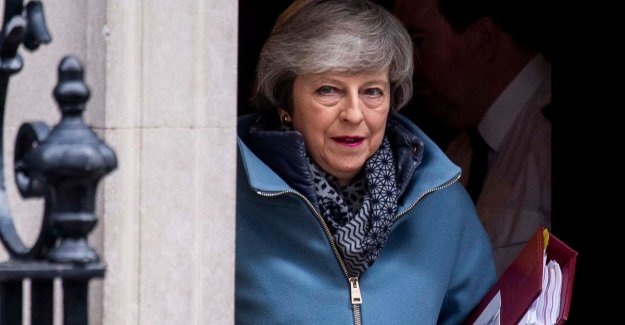 Theresa May is concerned at the new rebellion of hard brexiteers