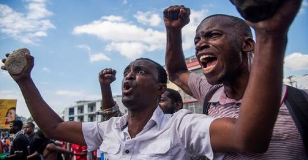 Thousands protest against Haiti's government