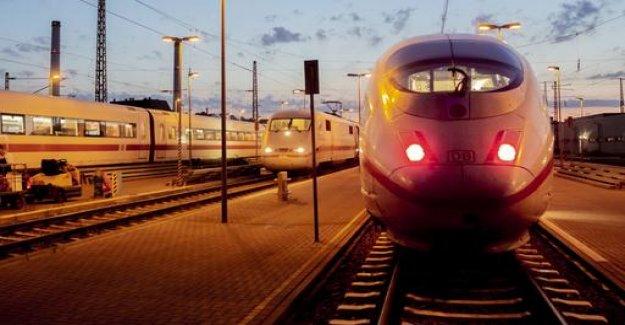 Train delays: rail pays more compensation