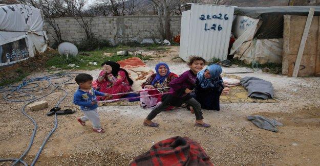 War kills 100 000 babies a year