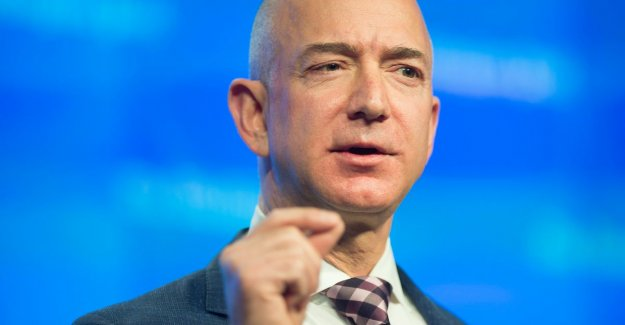 We have photos of your masculine part: a publisher tries to Amazon ceo Jeff Bezos to blackmail