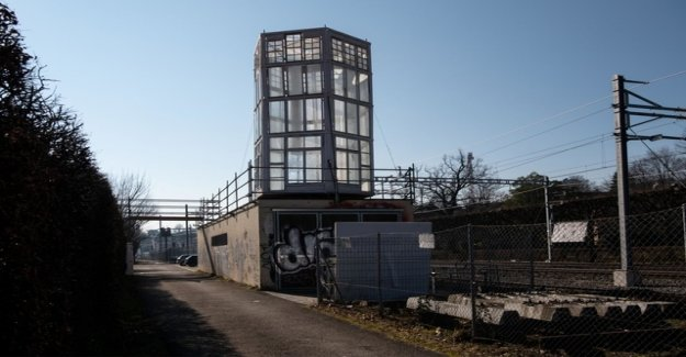 What is behind Zurich's new turrets