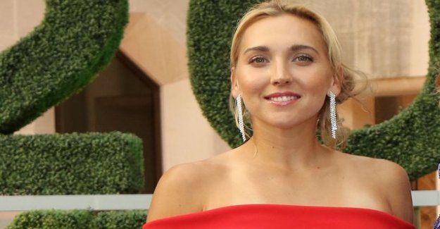 Where species in Yelena Vesnina has won olympic gold? Play Friday's 10 questions!