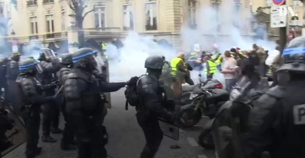 Yellow vests-protester lost his hand in Paris