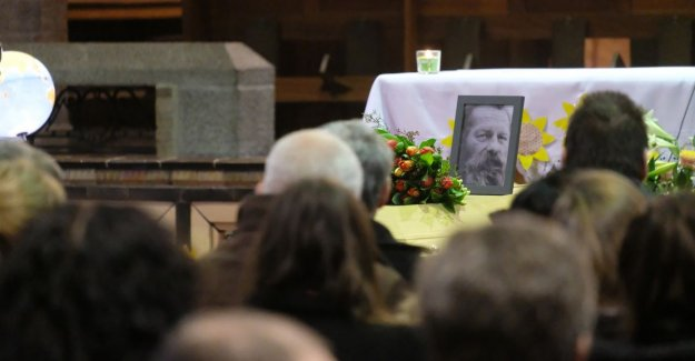 You were ne clean man, Louis: Antwerp says goodbye to most famous wanderer