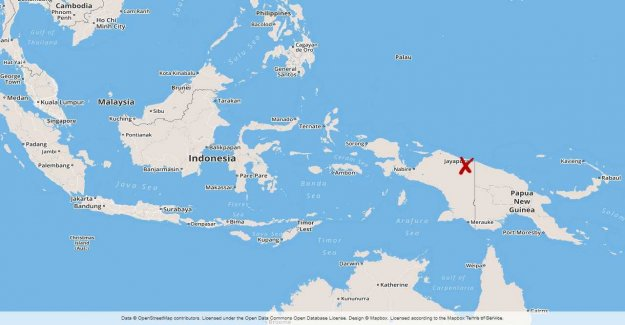 42 dead in storm surge in Indonesia