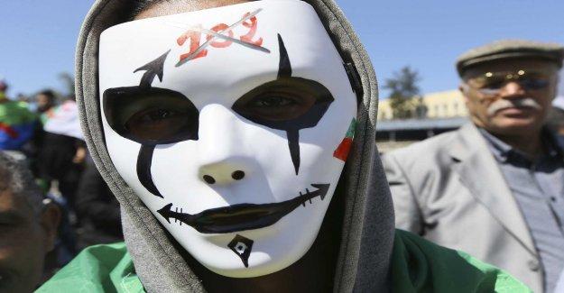 Algerian opposition, world arméchefs proposal