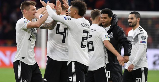 And at the end... win the Germans: Orange gets 0-2 gap, but bites still in the sand against the Mannschaft