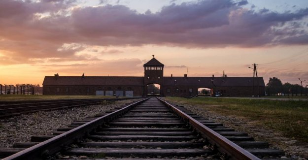 Auschwitz with prayer for the guests: Stop it