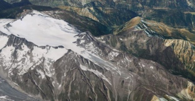 Avalanche with tears in the Canton of Valais four people
