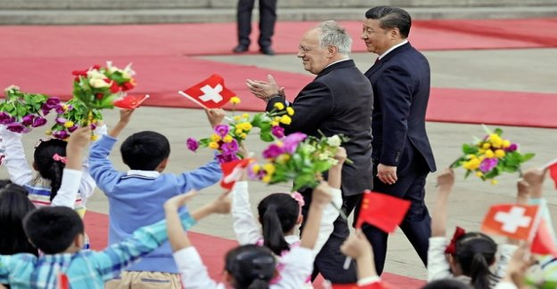 China is buying in Europe and Switzerland with pays