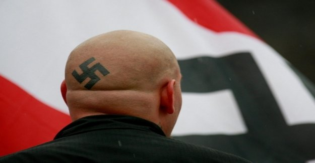 Conclusion with the swastika and Hitler salute
