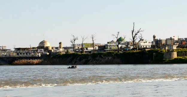 Crowded ferry in Iraq sinks with dozens of families on board: at least 94 dead
