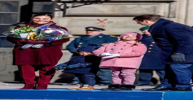 Crown princess Victoria celebrate the name day – Estelle, 7, stole the attention of the pink in the outfit: it Feels good