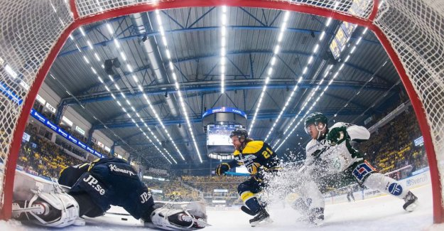 DN Opinion. Major gates attracts more audience to the hockey game
