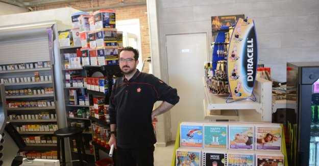 'Dakdieven' save it for the third time: stock cigarettes away at gas station Den Doorn