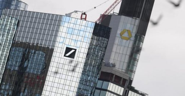 Deutsche Bank and Commerzbank start merger talks