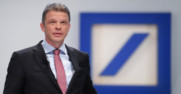 Deutsche Bank pays staff € 1.9 billion in bonuses