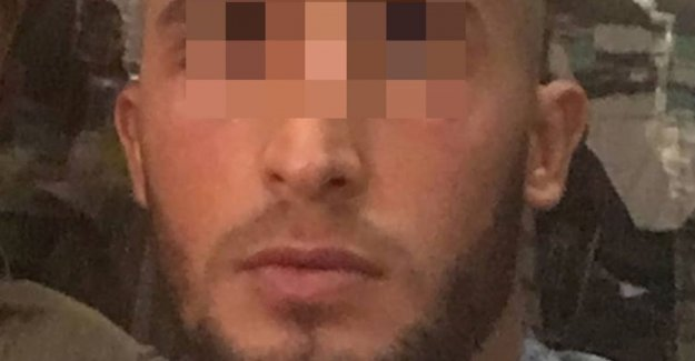 Dockworker who, bombarded with grenades, get 40 months in prison for help with entry 471 kilos of cocaine