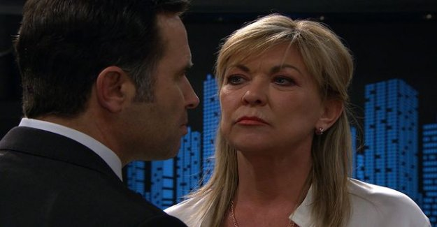 Emmerdale-the bad guy to play Claire King was attacked - fans of the series will hit the umbrella to the head