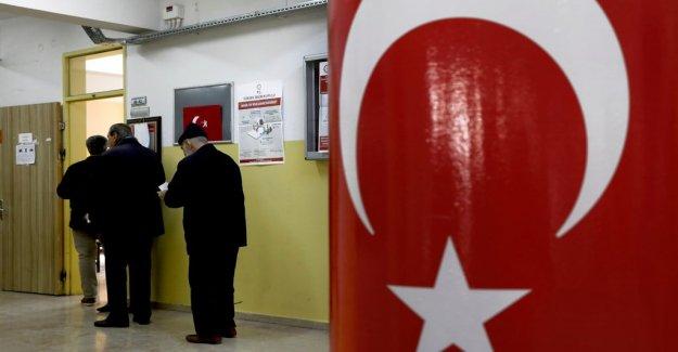Erdogan maktparti the AKP pressed in Turkish local elections