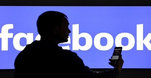 Facebook checks restrictions for Live Circuits