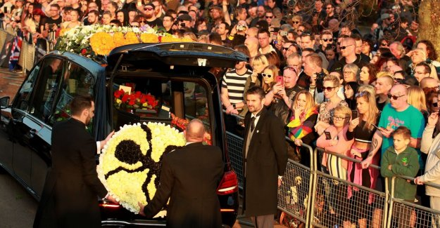 Fans go out of their roof at a funeral Keith Flint