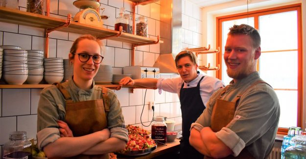 Flemish chef Lowie stirring the pots in Lapland (and will this week his teacher on a visit)
