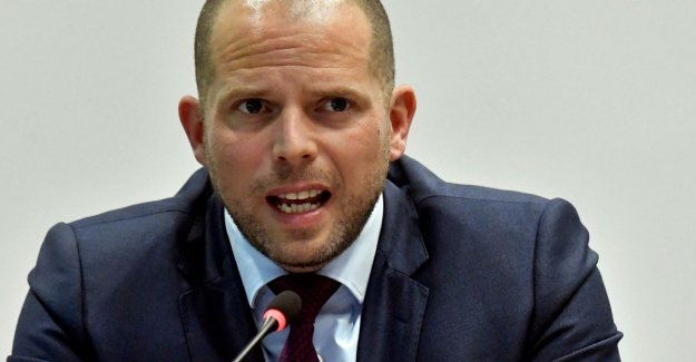 Francken calls on entrepreneurs to take in more refugees: Give them a chance