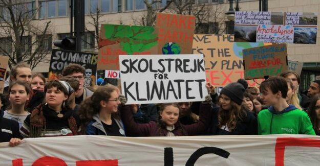 Fridays for the Future : cheers for Greta Thunberg at the Brandenburg gate