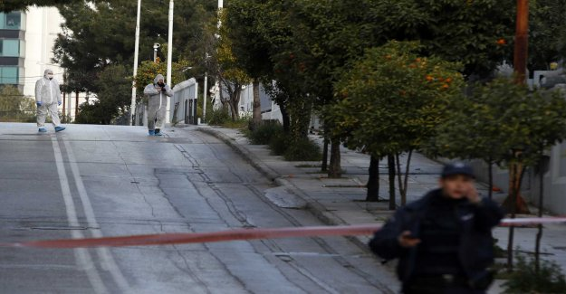 Grenade at the Russian consulate in Greece