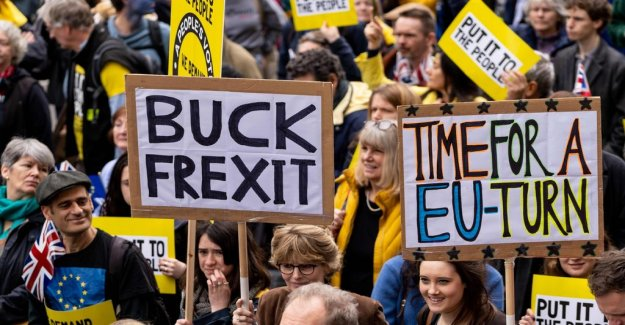 Hundreds of thousands in demonstration against Brexit