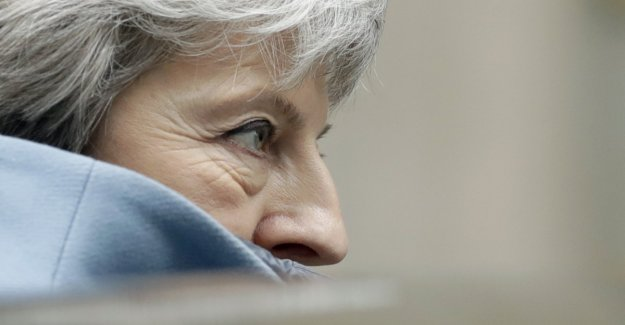 May requested a deferral until the end of June - Brussels bristles