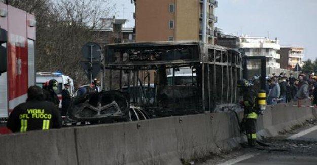 Milan: a bus driver was going to burn children