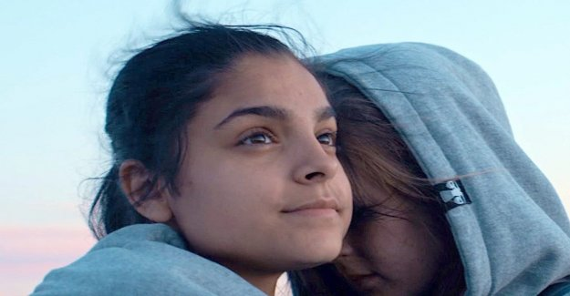 Movie review: the Unexpected friendship between the swedes and the roma community in To the land of dreams