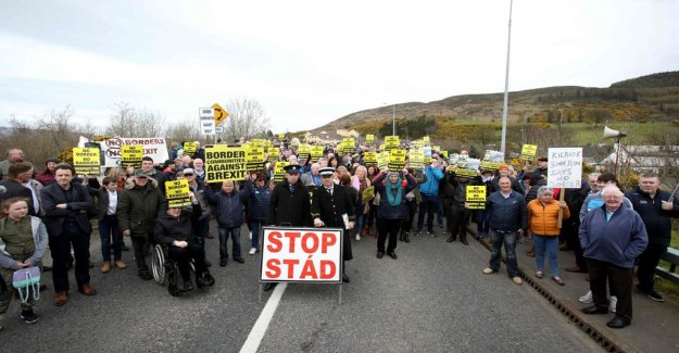Opponents to the Brexit protested along the irish border