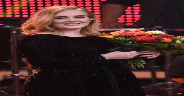 Publicity retreated Adele caught in a gay bar - drinking games Jennifer Lawrence with