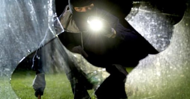 Report of the world on Sunday is a significant reduction in domestic burglaries